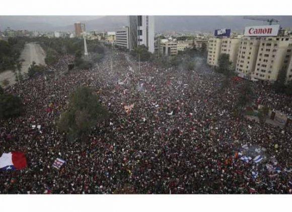 Columna | La intervención extranjera en el origen de las protestas ciudadanas en Chile
