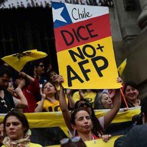 [Columna] Es verdad: Renovación Nacional propuso en 2002 iniciativa legislativa para retiro del 10% de los fondos de las AFP
