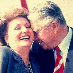 [Columna] El día que resolvimos acabar con el negocio de Lucía Hiriart de Pinochet